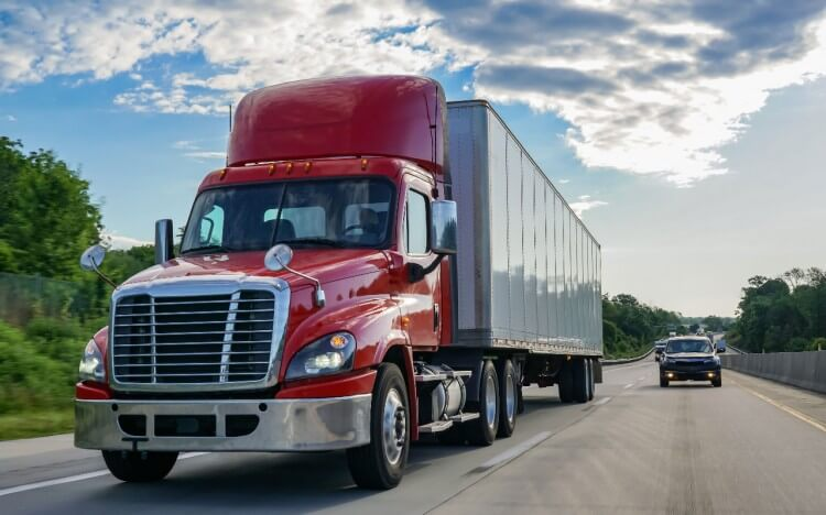 Respect the Rig – Tips for Safely Sharing the Road