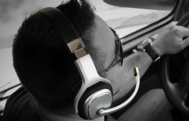 <strong>Headphones</strong> & <strong>Headsets</strong>
