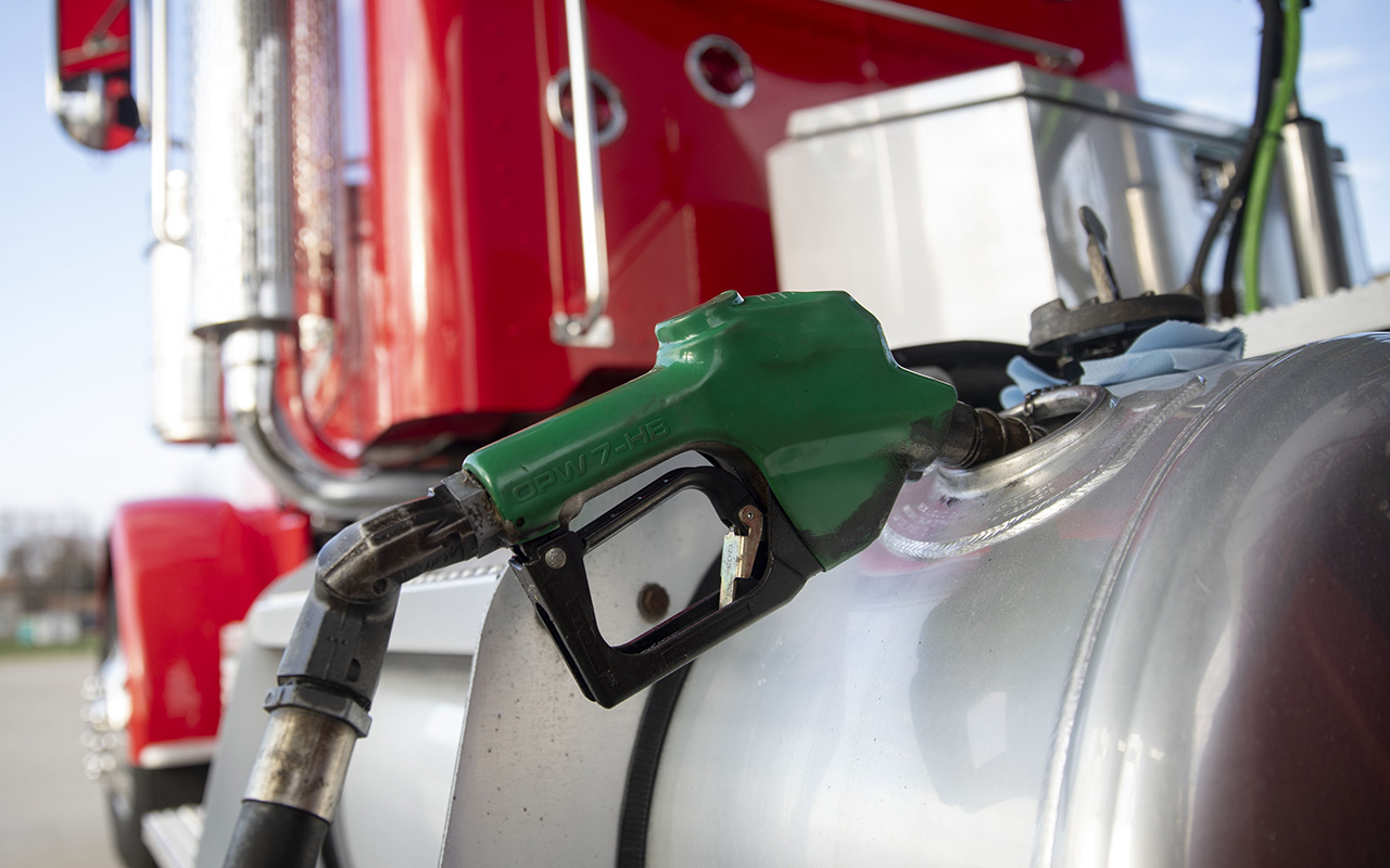 How to Reduce Fleet Fuel Cost | Tips for Lowering Fuel Costs