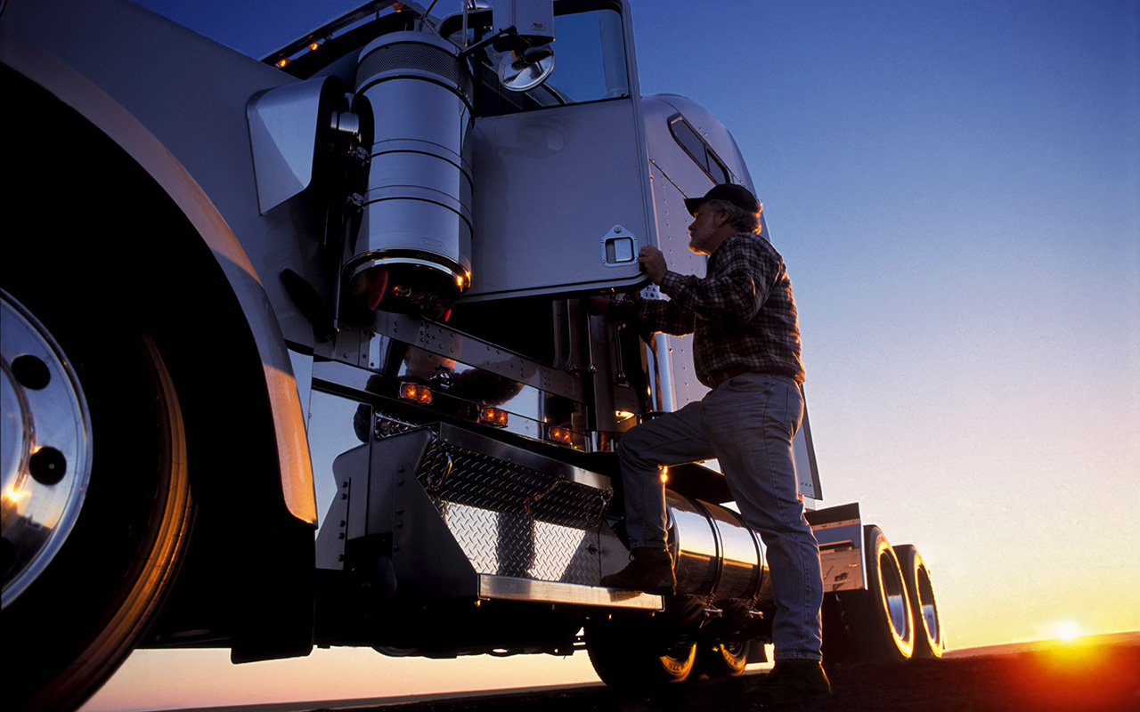 How to Decrease Truck Driver Turnover & Improve Retention